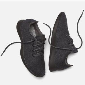 Nwot Allbirds wool runner sneaker in natural black